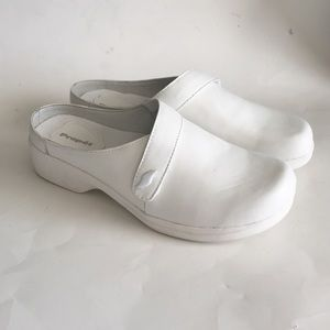 propet white leather clogs